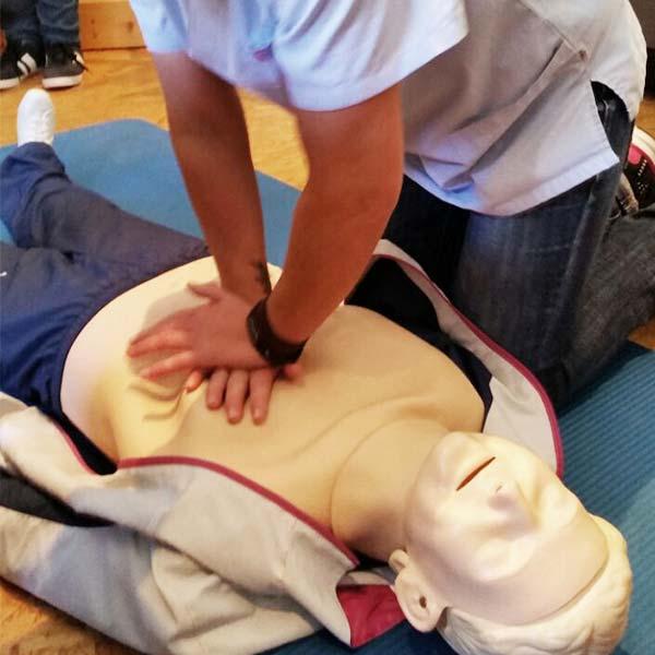 Erste-Hilfe-Kurs Puppe